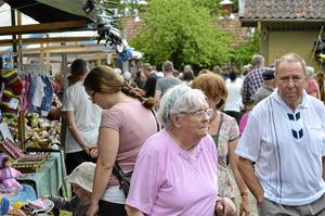 Folktätt. Tack vare vädret och tågtrafiken hade Järle marknad hade fler besökare än på många år.