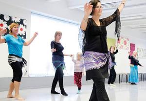 Anki Gustafsson är lärare i orientaliska danser. Hon upplever att intresset är stort i Östersund.