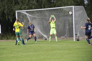 IK Huges damer är inne i en period av matcher där motståndet är tuffast möjliga. Först Sirius i cupen i veckan och på lördagen serieledande Bollstanäs.