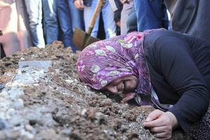 Diyarbakir är en av de turkiska städer som raserats för att jaga ut kurderna. Här en av begravningsplatserna.