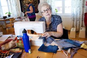 Linda Lamb är en av alla dem som rest över Atlanten för att sy tillsammans med sina svenska väninnor.