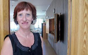 -- Det är lugnt här men vi har utegångsförbud, säger Susanne Håkansson, Säters kyrkoherde på semester i Hurghada i Egypten.