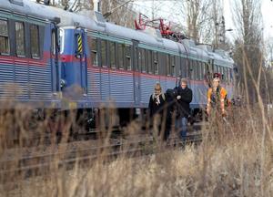 Annacarin Haeggman klev på tåget 14.14 i Kolbäck och var först av när passagerarna äntligen släpptes av på rälsen väster om Västerås strax efter kl 17.