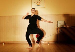 känsla. Den 6 000 år gamla indiska tempeldansen handlar mycket om rytm och känsla.