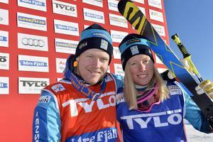 Victor Öhlin Norberg och Sandra Näslund, etta och tvåa i söndagens världscup på Idre Fjäll.