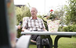 Karl-Erik Decker, 80, var lagledare i Alby när Lars Lagerbäck inledde sin spelarkarriär i klubben.