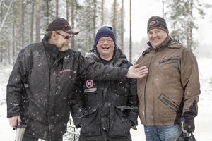 Tre riktiga rallyentusiaster, från vänster: Bengt Karlsson från Grängesberg och Lars-ErikTronberg samt Mikael Gustafsson från Ludvika.