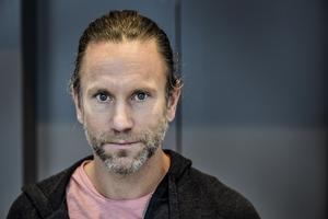 Programledaren Peter Jihde.