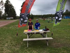 Juniorklassens två deltagare Bastian Werme och Måns Eriksson.