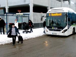 Bussresenärer välkomnar ny busstur.