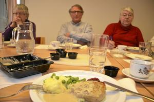 På menyn stod Wallenbergare, potatismos, brunsås, ärtor och lingonsylt.