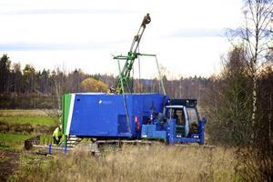 De första provborrningarna efter malm i Malmen i Aspeboda utanför Falun, inleddes i måndags.