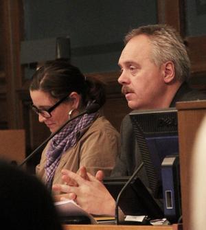 En bra idé med Årstidens söderhamnare, tycker kommunfullmäktiges ordförande John Staffas (S) och vice ordförande Isabel Hildén.
