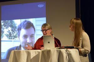 Kerstin Bergman från Svenska Deckarakademien samtalar med duon Adam Sarafis - Linda Olsson live och Thomas Sainsbury via Skype från Nya Zeeland.