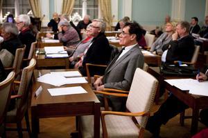 Nu lämnar han sin stol tom, Lennart Carlström (SD). Det finns ingen ersättare som kan ta över platsen.