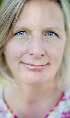 Fia Gulliksson, kalaskokerska och programledare för Meny i P1.