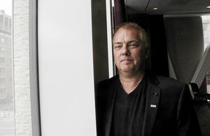 Ligachefen Per Selin arbetar fram det förslag som FSE ska ta ställning till – att införa åttondelsfinaler eller inte.