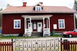Falubussen passerar bland annat byn Skräddrabo.