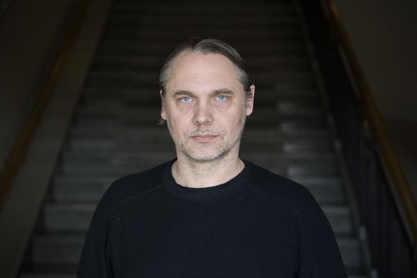 Mattias Andersson är dubbelt aktuell på Dramaten i höst med