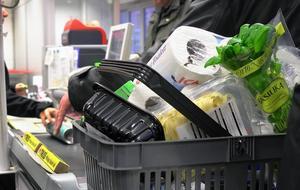 PRO gör årligen prisjämförelser av matvaror i landets butiker.