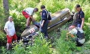 Bilens förare klagade på ryggsmärtor och fördes till Östersunds lasaerett för vård.