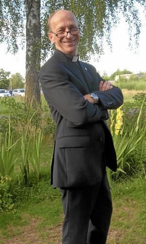 Peter Dahlgren är präst i Asker Lännäs pastorat.