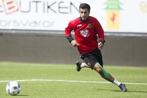 Brwa Nouri såg riktigt laddad och fokuserad ut vid gårdagens ÖFK-träning på Jämtkraft Arena. Han tvingades se hela lördagens match mot Elfsborg från bänken, men är tillbaka i derbyt mot Sundsvall.