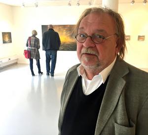 Johnny Molton hämtar sina dramatiska motiv från seglasterna i Östersjön.