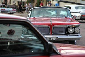 Under drygt en timme cirkulerade bilarna i centrala Edsbyn på onsdagskvällen.