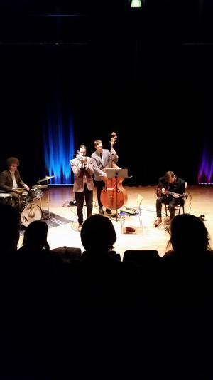 Kulturhuset Korpen är också en plats för konserter och föreställningar. Här spelar Filip Jers Quartet på husets scen.