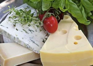 Ost som ingrediens i mat är inte ovanligt. Vågar man välja mer smakrika ostar är mycket vunnet.   Foto: Dan Strandqvist/TT