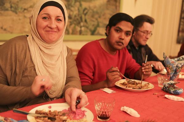 Lejla Kunic och Aman Mahmoud tyckte om julmaten.