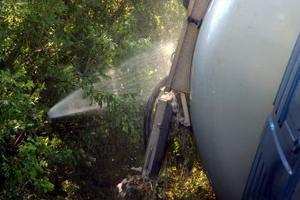 Vatten sprutades på den 49 procentiga läckande väteperoxiden för att den inte skulle självantända.