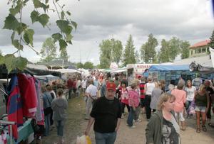 Järvsö marknad är populärare än någonsin. Under lördagen kom cirka 12 000 personer till Stenegård.