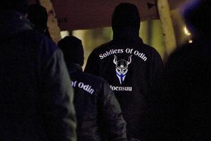 Medborgargardet Soldiers of Odin, med rötter i högerextremismen, har hittat en vän i sverigedemokraten och före detta nämndemannen Steffen Martinsson. Ett olämpligt sällskap för en lekmannadomare.