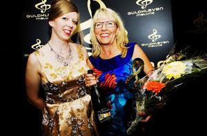 Juryns Specialpris till Marianne Leek, Sundsvall Kommun (till höger). Prisutdelaretvar Lina Haskel, chefredaktör Får jag lov?FOTO: SNEZANA VUCETIC BOHM