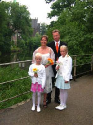 Irja Claesson och Fredrik Johnsson, Sundsvall, vigdes den 30 juli i Svenska Gustafskyrkan, Köpenhamn. Brudnäbbar var Emma Johnsson och Ida Johnsson. Foto: privat