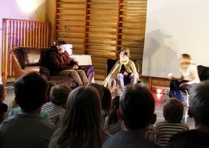 Klass fem på Fagerviks skola kombinerar skolarbetet i historia med att göra en teaterföreställning om Gustav Vasa.