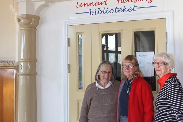 Siv Thomas, Kristina Forsgren och Birgitta Hellberg jobbar för att biblioteket ska få finnas kvar.