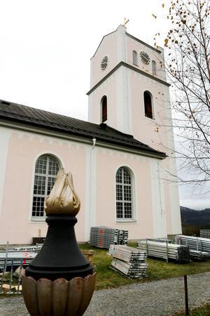 Fjärde advent, närmare bestämt 21 december, kan församlingsborna beskåda hur renoveringen av Ragunda nya kyrka blev. Den har varit avstängd ända sedan augusti.