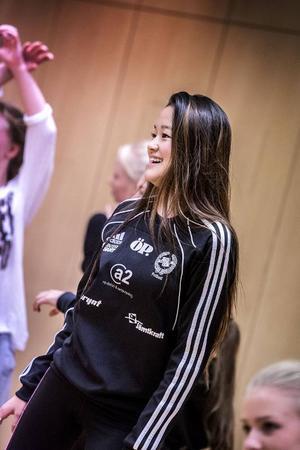 Clara Martinsson från Östersund har dansat i några år och trivs med det.