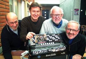 Rolf Engberg, Anders Nilsson samt Folke och Örjan Lindqvist har berikat kultismarknaden med en ny cd.
