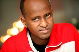 OMHÄNDER- TAGNA. Saeed Omar tycker att Migrations- verket i Sverige har tagit väl hand om honom.