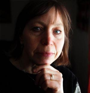 – Jag ser inte bara livet från den mörka eller ljusa sidan. Det finns mycket emellan också, små positiva saker i vardagen som gör att vi mår bättre, säger Eira Kunze Nilsson som i dag berättar om den svåra trafikolyckan hon var med om för 13 år sedan.I dagarna kommer hennes bok ut som handlar om olyckan och tiden efteråt.