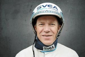 Travkusen Örjan Kihlström befinner sig i kulmen av sin yrkesbana – som inleddes med sommarjobb på Solvalla i 14-årsåldern.