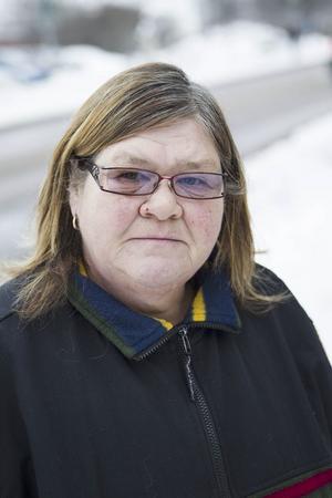 Irene Björk 55 år, Ljusdal– All nedskräpning, folk som slänger sopor på gatorna.