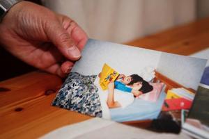 """På bilden är det Carlos som femåring tillsammans med sin två år äldre bror Camilo. """"Camilo var sju för han hade läsläxa som han läste för Carlos"""" berättar Estrella."""