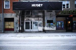 Här, i de lokaler som tidigare inhyst bland andra klubbarna After Eight, Saga, Emporio och Huset, kan nu bli amerikanskinspirerad restaurang/sportbar.