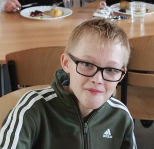 Anton Olovsson, 13 år:– Det är svenskt kött, det är ekologiskt och det är gott. Tre bra saker i ett.