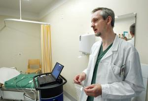 Överläkare Per Lindblad på urologkliniken är positiv till microvågsbehandling av prostataförstoring. Det är bra både för patienten och för ekonomin.